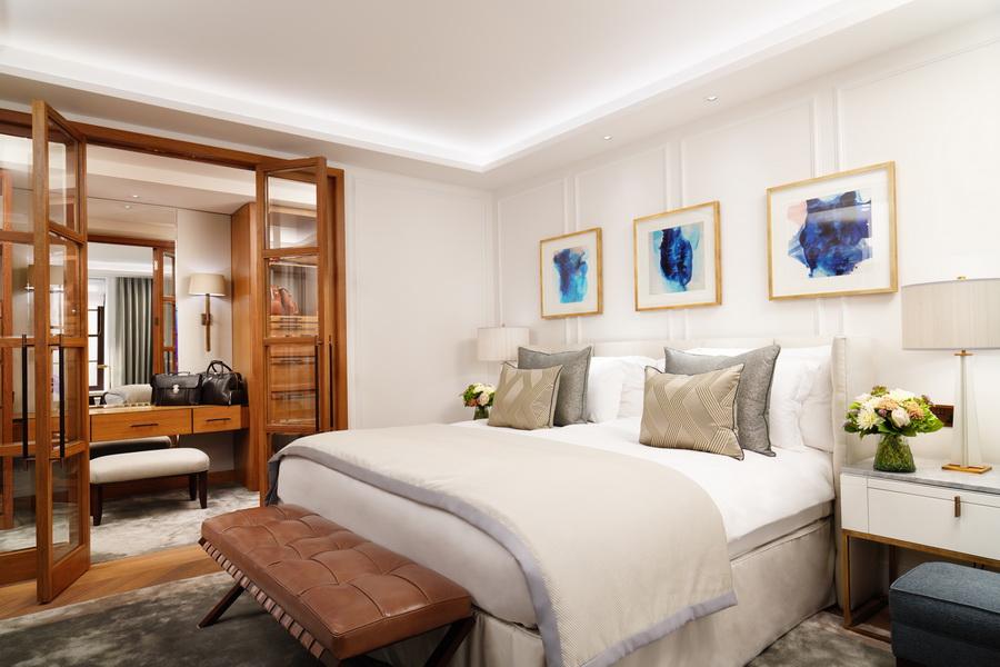 London Suite bedroom - Corinthia Hotel, London