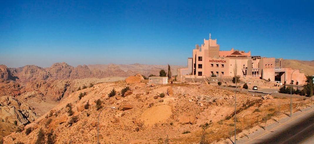 Mövenpick Nabatean Castle Hotel