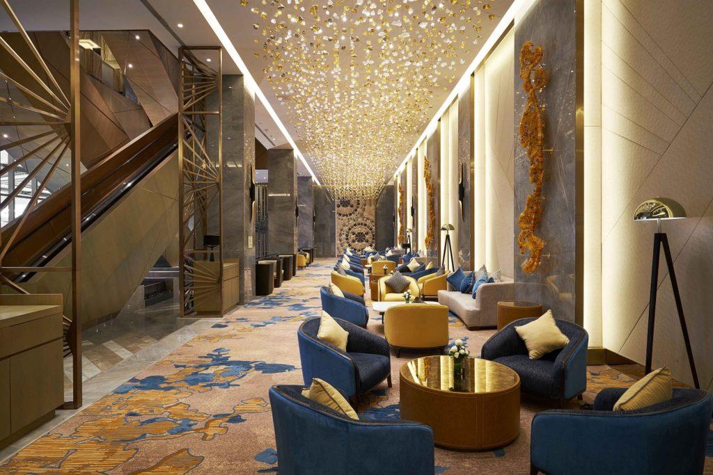 Madison Lounge & Bar at Hilton Manila