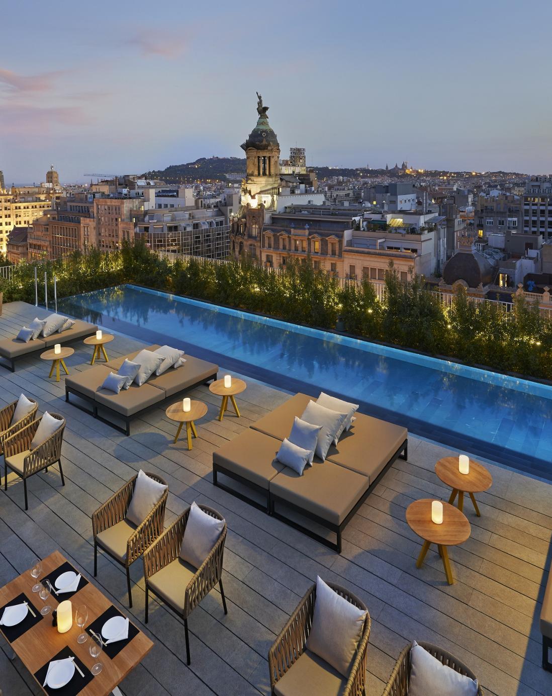 Barcelona Restaurant Mimosa Garden Bar And Restaurant Overview 5