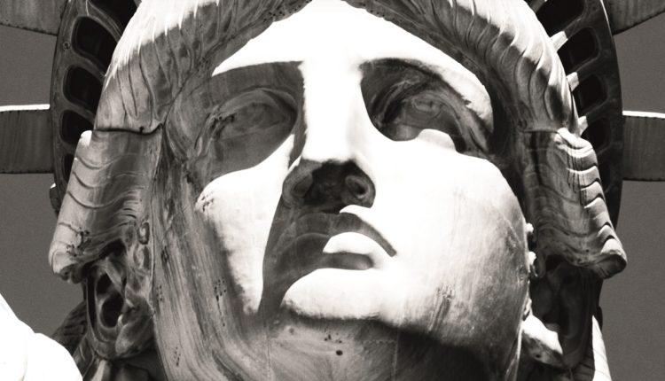 13_travel-poster-new-york_Lady Liberty