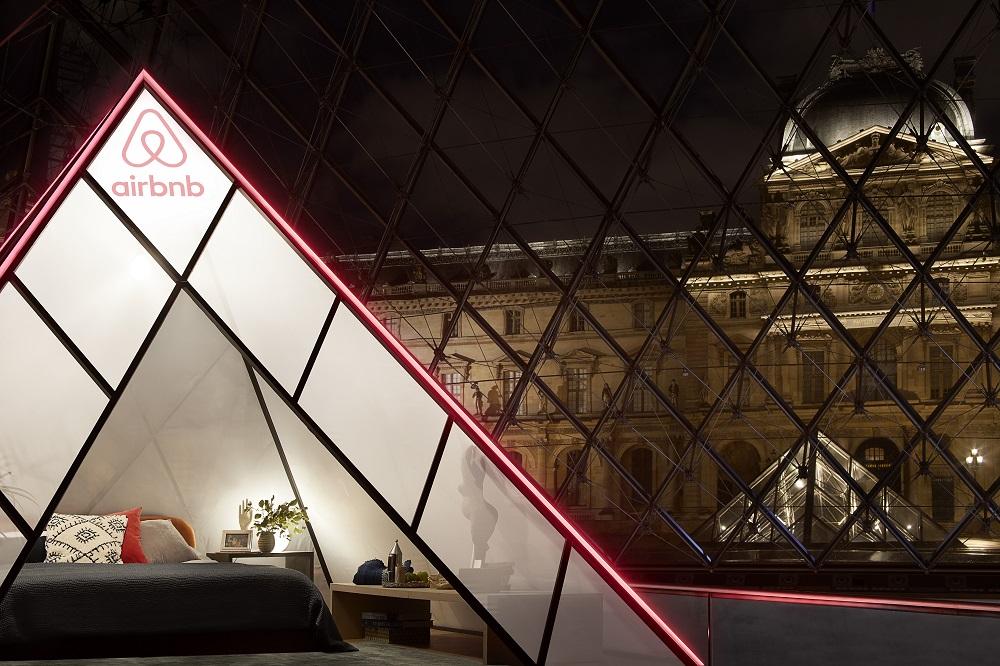 Airbnb x Louvre (Julian Abrams)