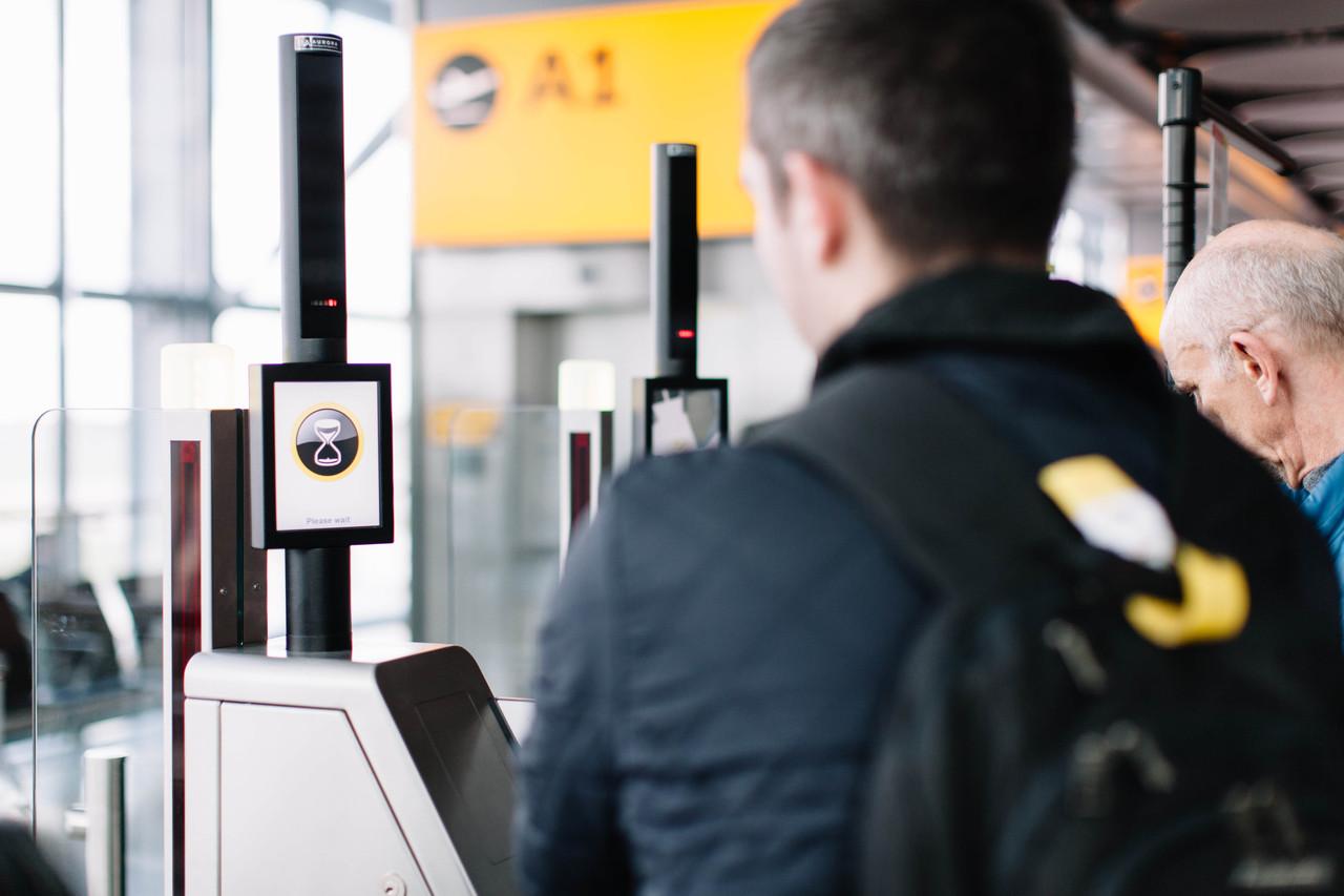 Britisg Airways' biometric self-boarding gates