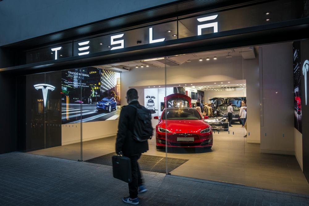 Tesla - Electric Vehicle Road Trips