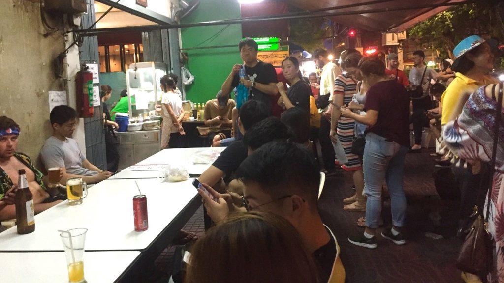 Jay Fai - Bangkok Street Food - Queue