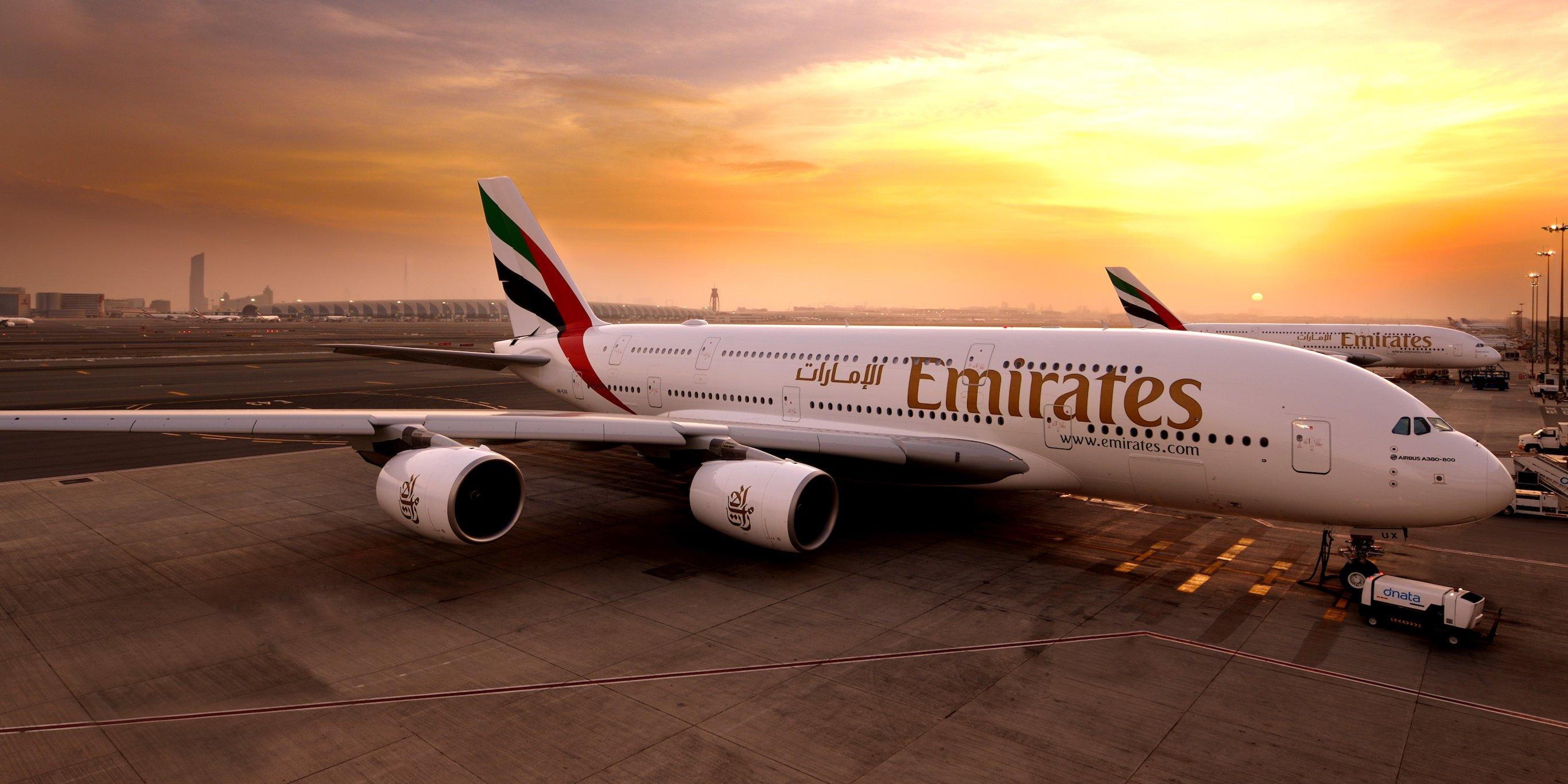 kapal terbang emirates