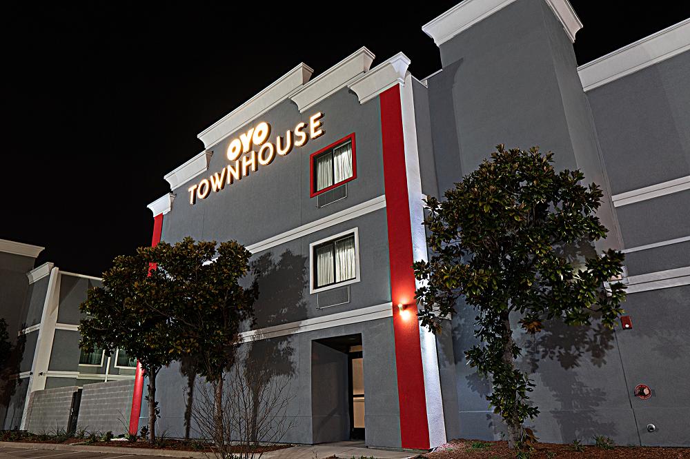 OYO Townhouse - US