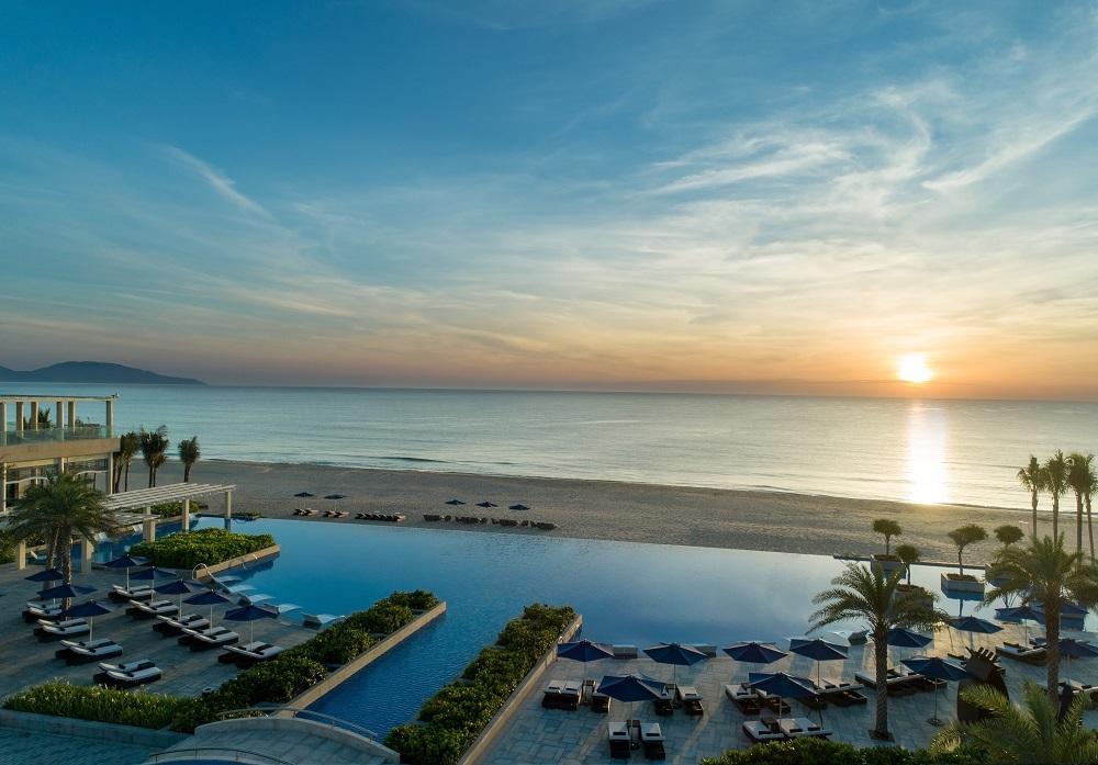 Sheraton Grand Danang - Infinity Pool View