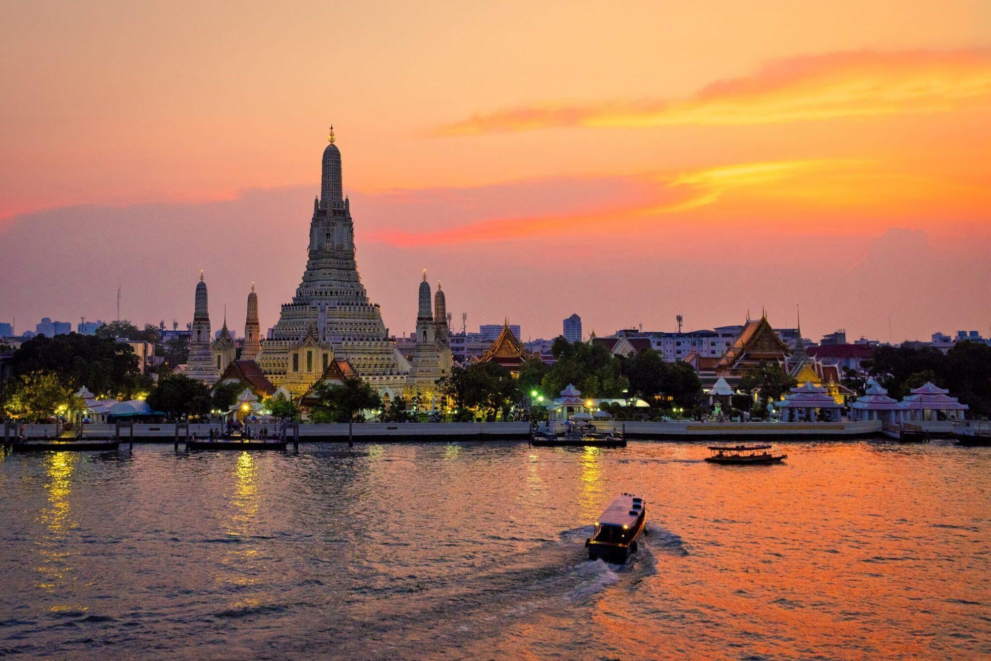 Bangkok Wat Arun Ratchawararam Ratchaworamahawihan scaled e1606118688963