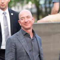 New,York,,Ny,-,May,15,,2019:,Jeff,Bezos,Arrives