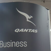 Melbourne,Australia,-,July,8,,2017:,Qantas,Business,Class,Check
