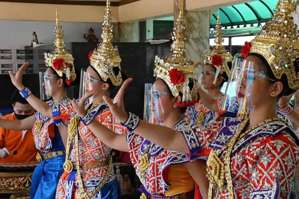 Bangkok opening delayed until October 15